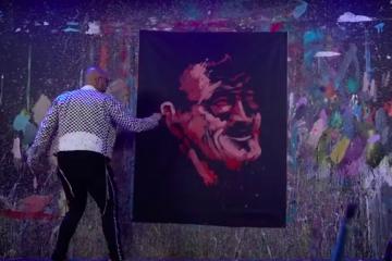 David Garibaldi paints a portrait of Stan Lee live